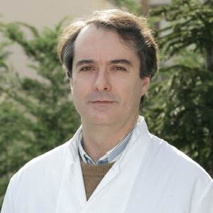 DIMITRIOS STAVROU, MD